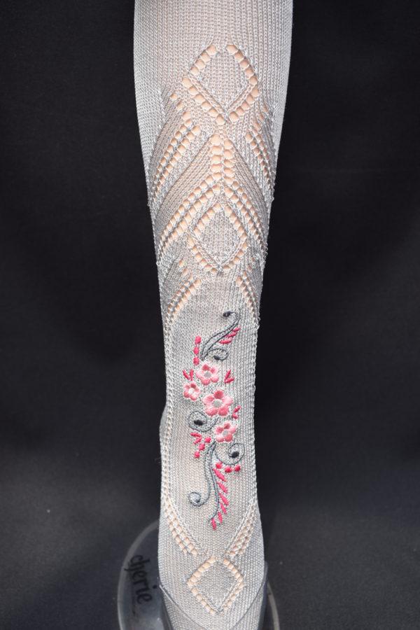 Calza fallera con bordado especial en tono rosado