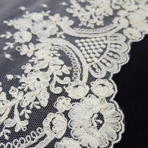 detalle floral bordado 2