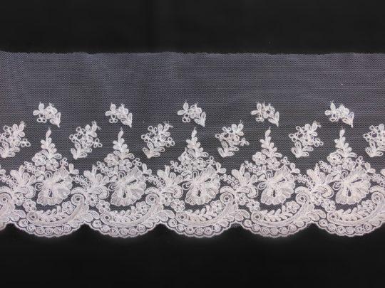 tul bordado floral Mari Capella