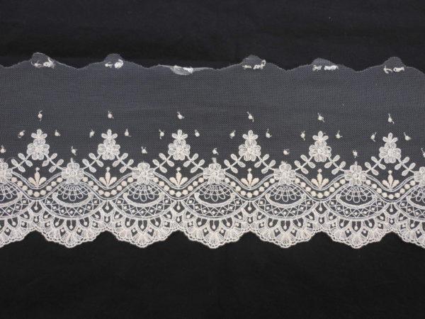 tira tul bordado con diseño floral 2