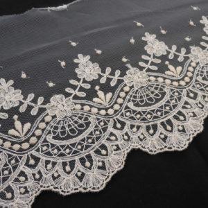 tira tul bordado con diseño floral 3